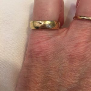Jewelry - 18k gold ring